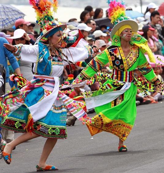 ecuadorquito-desfile-confraternidadCORTADA